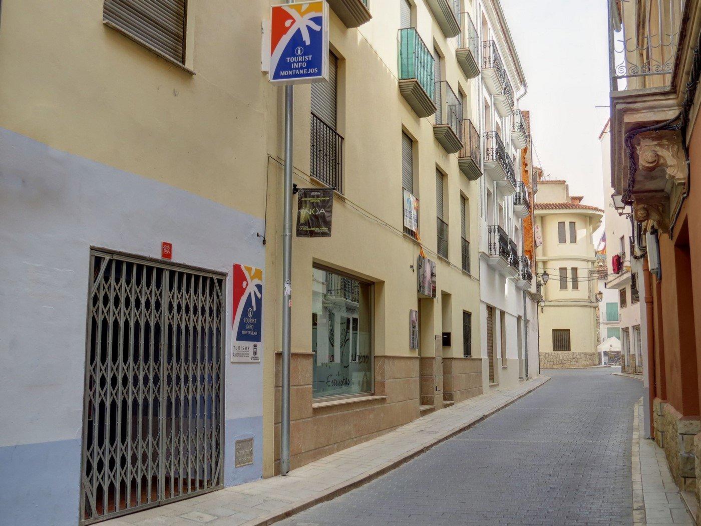 Oficina de turismo montanejos for Oficina turismo castellon