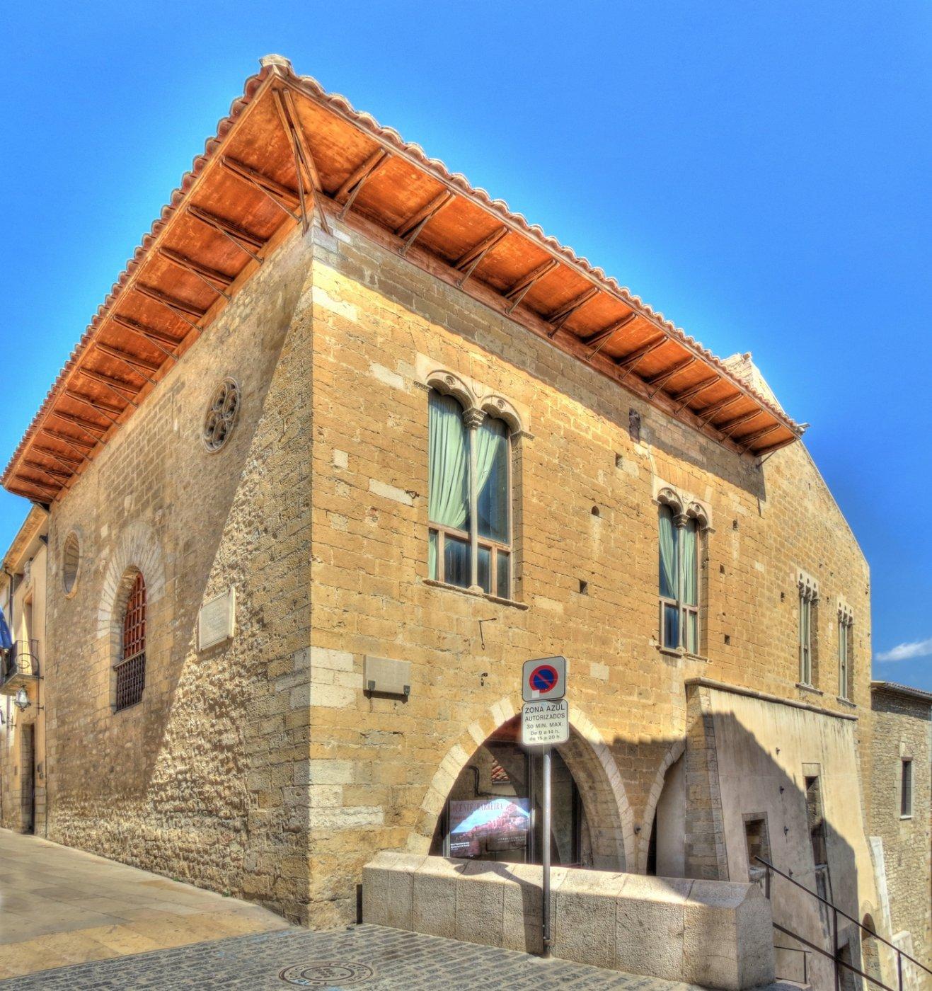 Ayuntamiento morella for Oficina turismo morella