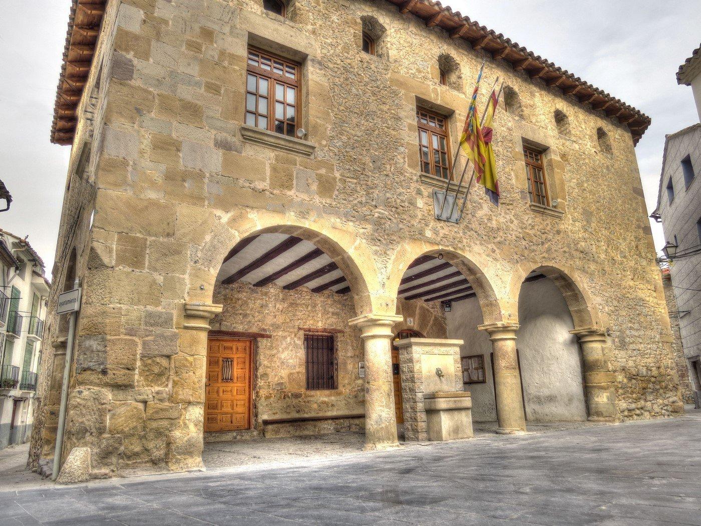 Ayuntamiento puebla de arenoso - Casa rural puebla de arenoso ...