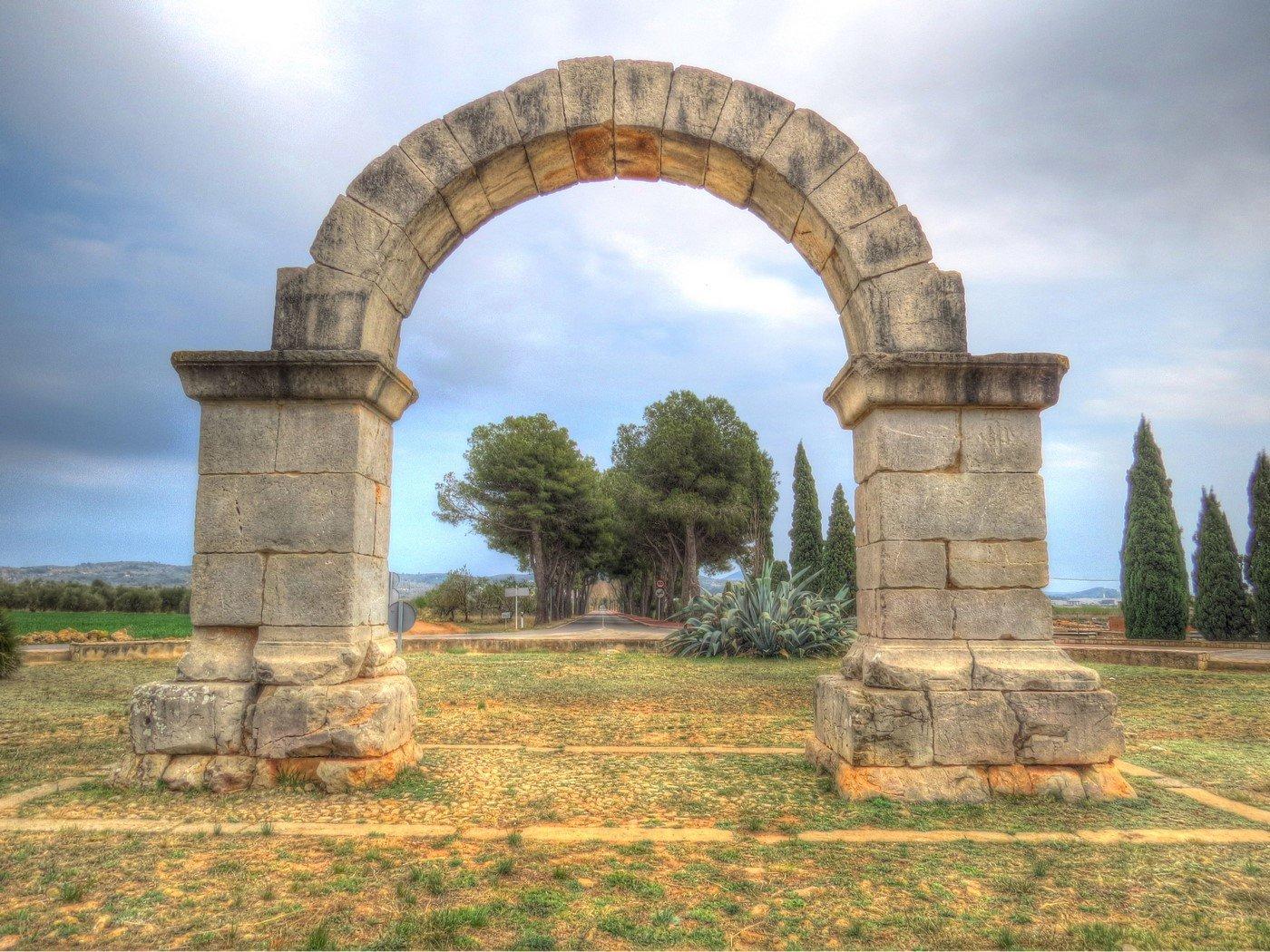 arco romano cabanes