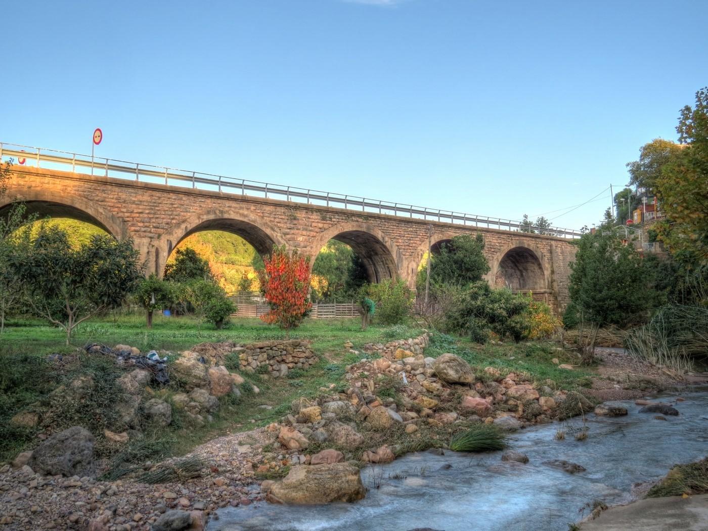 vistas del puente de sueras