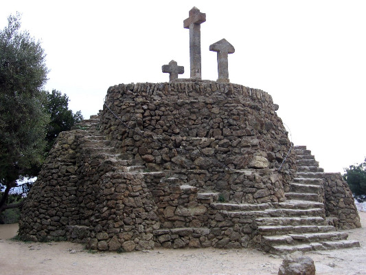 Monumento al Calvario Parque Güell Barcelona