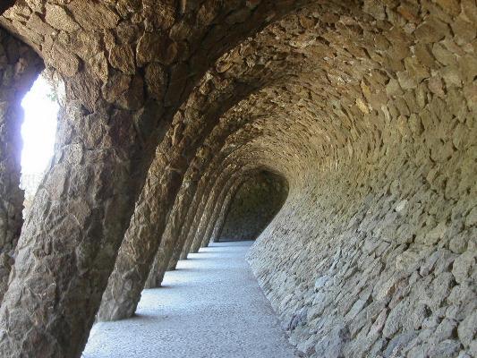 Viaducto Algarrobo Parque Güell Barcelona