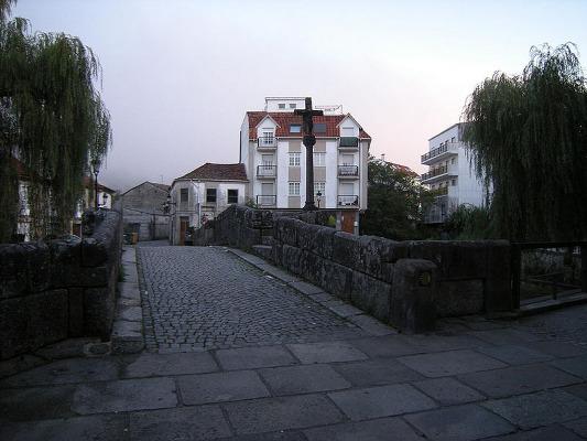 Puente río Bermaña en Caldas de Reis